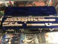 Gemeinhardt concert flute . Great deal why rent when u can own