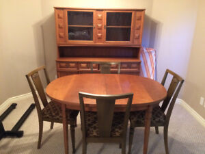 Dining Table, 4 chairs, buffet and hutch