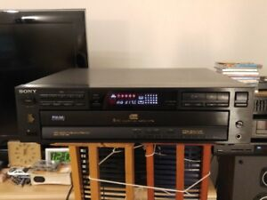 Sony 5-disc CD Changer CDP-C515 (Made in Japan)