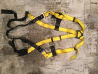 New roofer safety harness for sale. $40.00
