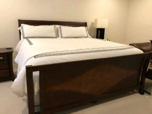 Solid Wood King Bed Set w/mattress