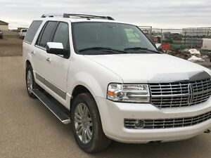 Diamond White 2010 Lincoln Navigator