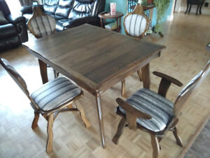 Restored vintage table + 4 chairs in oak