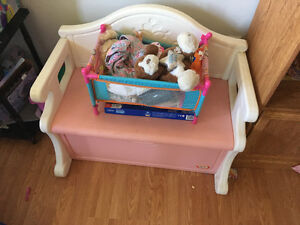 Little tikes toy box and bench