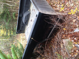 8 foot chev/gmc chev truck box and tailgate