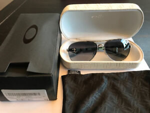 Brand new Oakley women's , never worn, new with box