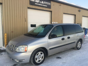 2004 Ford Freestar Se 7 Passagers pneus Nokian (4) Winter Beater