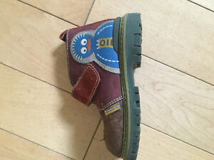 Oilily Toddler Boots sz Euro 22/ 6 Toddler 18-24 Months