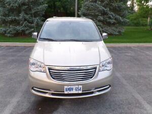 2013 Chrysler Town & Country Limited Minivan, Van