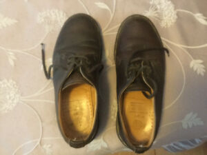 Doc Martens ladies shoes. Size 6