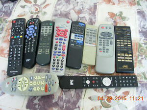 6 telecommandes/remotes TV/VCR,Panasonic,Hitachi,JVC,Star Choice