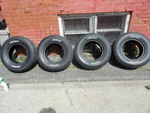 4 pneus ete 265x70r16 Flambant neuf valeur $ 1200 laisse $ 550