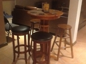 Bar table and 4 Bar Stools
