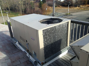 6 year old propane AC/heat roof top unit