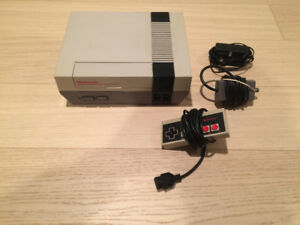 Original Nintendo in Excellent Shape with All Hook Ups