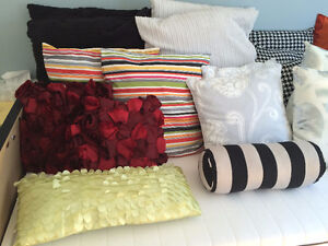 Assorted Throw Cushions West Island Greater Montréal image 4