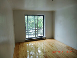 Meublé furnished Metro Plamondon CDN Montreal