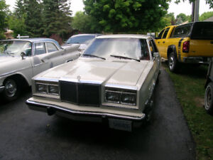 1985 CHRYSLER FIFTH AVENUE IN NEAR PERFECT CONDITION