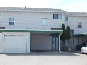 3 Bedroom, 3 Level Townhouse in Central Location