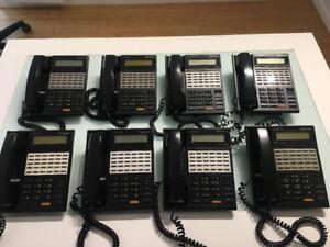 8 téléphones de bureau Panasonic Digital KX T7230C