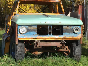 CREW CAB DODGE/FARGO POWER WAGON 1971 SWEPTLINE