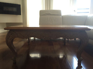 Solid wood Italian hand carved coffee table - table a café