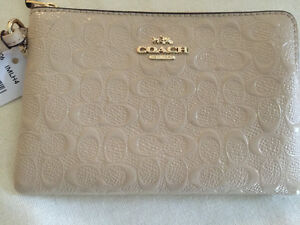 COACH Patent leather embossed brand new wristlet