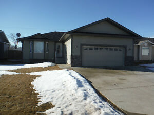 Redwater House for Rent. Minutes from North West Refinery