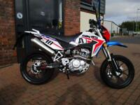 SINNIS APACHE 125cc SUPERMOTO - BRAND NEW LEARNER LEGAL - £42.04 PER MONTH !!!