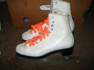 OLDER DOMINION GIRLS SKATES