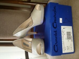 Arnold Churgin Grey Shoes $20- brand new - never worn