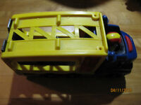 Camion  Fisher Price Little People (son)