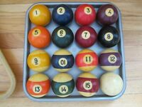 Sets BAKELITE 1950s Billard / Pool n & Snooker