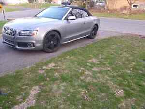 Audi s5 cabriolet convertible 2011 with warrenty   55000km