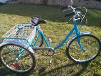 Velo tricycle CCM neuf avec nouvelles pièces!
