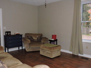 close to schools and downtown - Mitchell Stratford Kitchener Area image 2