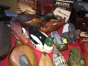ASSORTED CARVED WOOD DUCK DECOYS WORKING & DECORATIVE