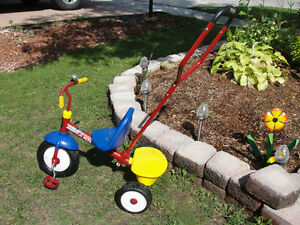 Radio Flyer Deluxe Steer & Stroll Trike / tricycle PRICED 2GO Kitchener / Waterloo Kitchener Area image 2