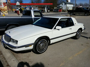 1989 Buick Riviera Coupe (2 door)