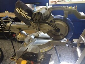 Maximum sliding duel- bevelling compound mitre saw