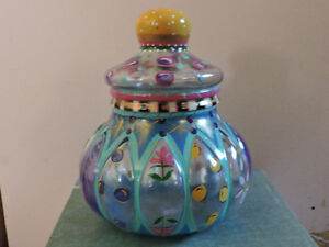 Decorative large jar with lid