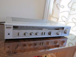 VINTAGE STEREO INTEGRATED AMPLIFIER IN VERY GOOD CONDITION.
