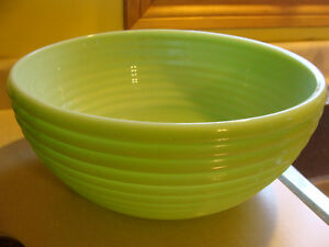 Beautiful JADITE JADEITE Ribbed Large MIXING BOWL