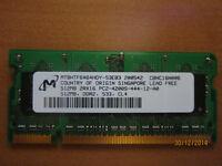 1 barrette pour portable DDR 2 533mhz