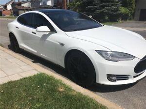 Tesla modèle S 70D