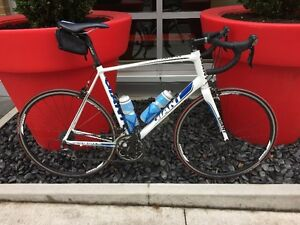 XL Giant Defy 1 Package North Shore Greater Vancouver Area image 1