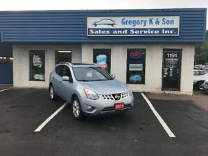 2011 Nissan Rogue SV SUV, Sunroof, Back-up Cam!!
