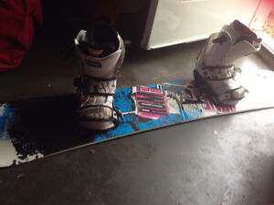 Girl rome Snow board,size 6 boots and bindings