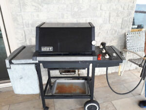 WEBBER NATURAL GAS BBQ