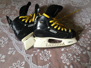Bauer Skates size youth 1.5